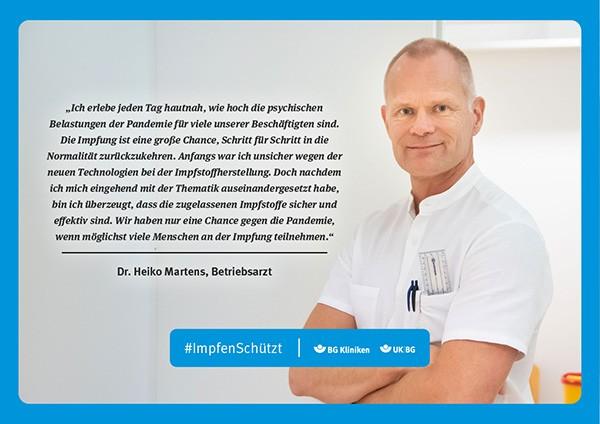 Plakat #ImpfenSchützt, Motiv: Dr. Heiko Martens (UK|BG und BG Kliniken) Querformat