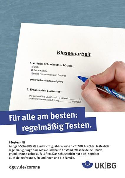 "Plakat #Testen hilft, Motiv ""Klassenarbeit"" (UK|BG) Hochformat"