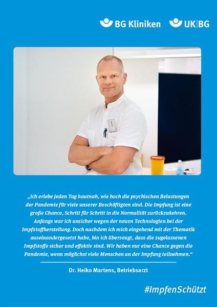 Plakat #ImpfenSchützt, Motiv: Dr. Heiko Martens (UK BG und BG Kliniken) Hochformat